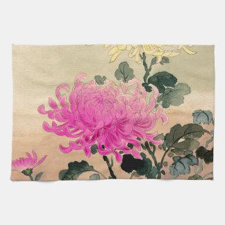 土屋光逸 de Tsuchiya Koitsu - 菊 del crisantemo Toalla De Mano