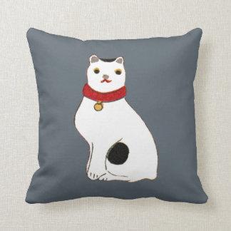 日本の猫の人形, Doll of The Japanese Cat Throw Pillow