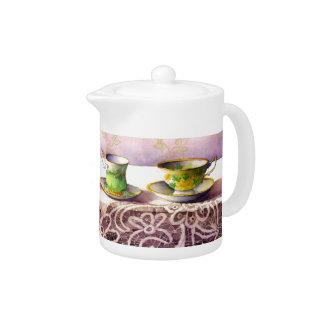 0001 Row of Teacups Teapot