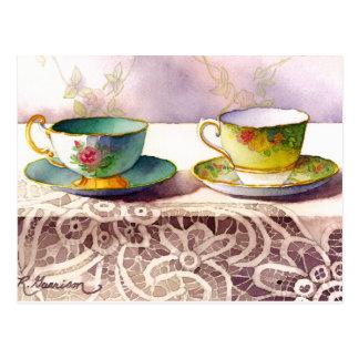 0001 tazas de té en la postal del saludo del cordó
