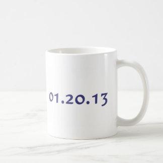 01.20.13 - El día pasado de Obama como presidente Taza Clásica