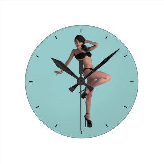 01 Pin-Up - Round Wall Clocks