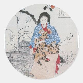 028 - Señora Chiyo y el agua quebrada Bucket.jpg Pegatina Redonda