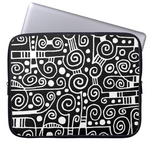 040512 - Blanco en negro Funda Computadora