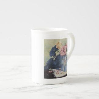 0476 rosas ingleses en jarra azul taza de porcelana