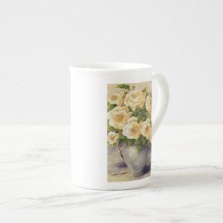 0548 rosas amarillos en jarra taza de porcelana