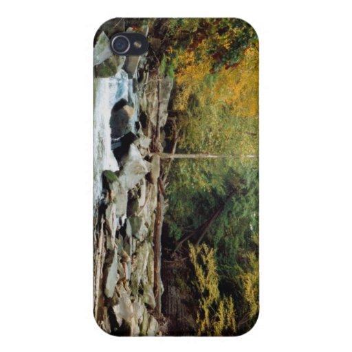 080806-13PO iPhone 4 FUNDAS