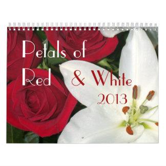 0 2013 pétalos de rojo y de blanco calendario