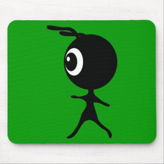 10030 CUTE LITTLE BLACK GREEN ALIEN CARTOON WALKIN MOUSE PADS