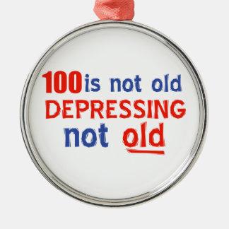 100 años no son viejos adorno
