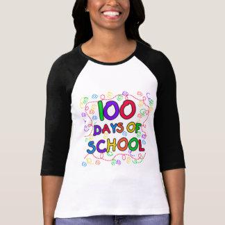 100 días de camisetas y de regalos del confeti de