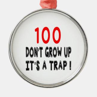 100 no crecen, él es diseños de un cumpleaños de ornamentos para reyes magos
