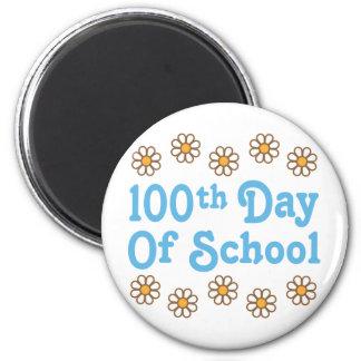 100o día de las margaritas de regalo del profesor  imán de nevera