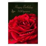 100o Tarjeta de cumpleaños con un rosa rojo clásic