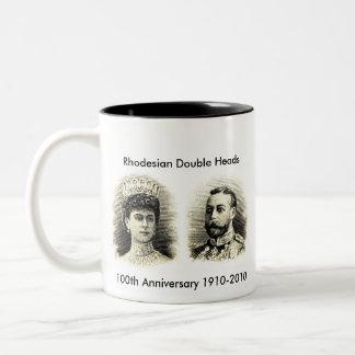100o Taza grande del aniversario