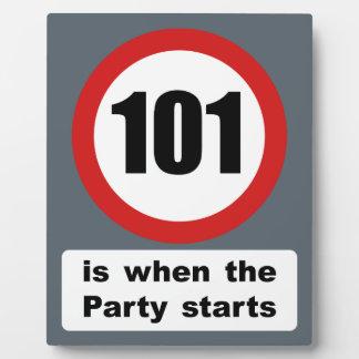 101 es cuando el fiesta comienza placas de madera
