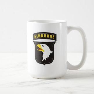 101o Emblema de griterío aerotransportado de Eagle Tazas De Café