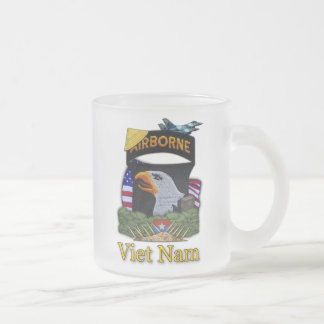 101os veteranos Vietnam MU escarchada de la divisi Tazas