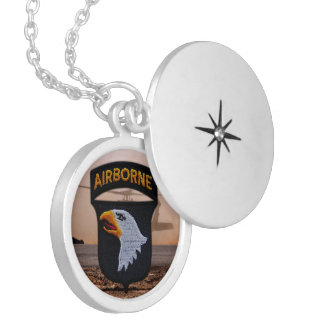 101st Airborne screaming eagles veterans patch Round Locket Necklace
