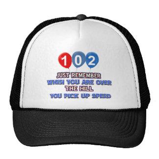 102 y sobre los diseños del cumpleaños de la gorras