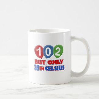 102os diseños del cumpleaños taza clásica