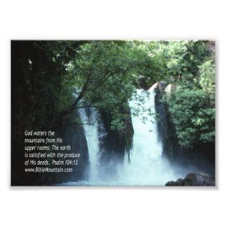 104:13 de la cascada y del salmo de Banias Fotografía