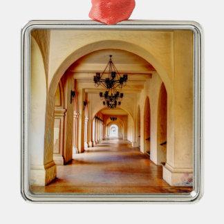 105HD Corridor Ornament