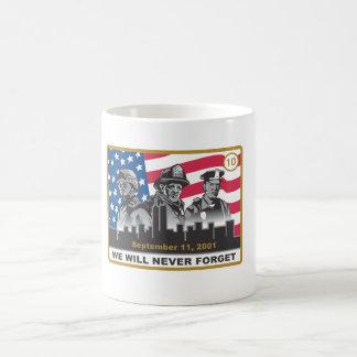 10 diseño del aniversario 3-Heroes del año 9/11 Taza Clásica