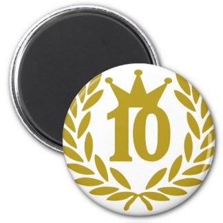 10-real-laurel-crown 2 inch round magnet