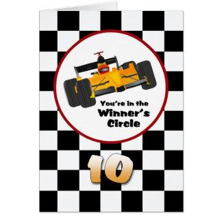 10ma tarjeta de coche de carreras feliz del