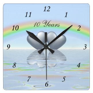 10mo Corazones de la lata del aniversario Reloj Cuadrado