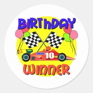 10mo Cumpleaños del coche de carreras del Pegatina Redonda