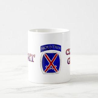 10mo Subida de la división de Moutain a la gloria Taza Básica Blanca