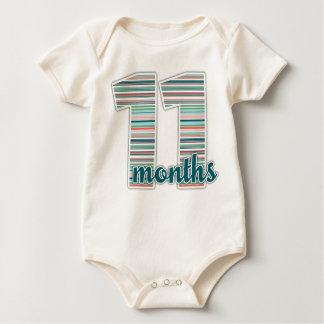11 meses del jalón de camiseta del bebé mamelucos