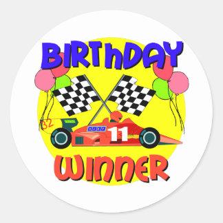 11mo Cumpleaños del coche de carreras del Pegatina Redonda