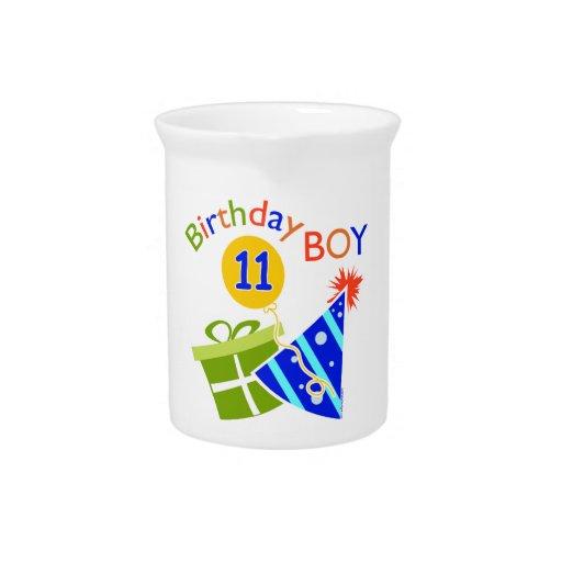 11mo cumpleaños - muchacho del cumpleaños jarrón