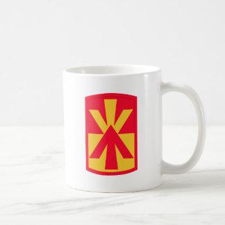 11mo Insignias de la brigada de la artillería de Taza Clásica