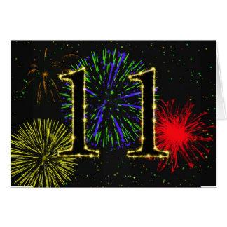 11mo Tarjeta de cumpleaños con los fuegos
