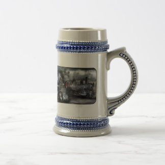 1218 - Waiting for Departure 18 Oz Beer Stein