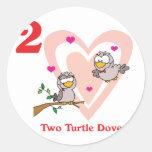 12 días dos palomas de la tortuga pegatinas redondas