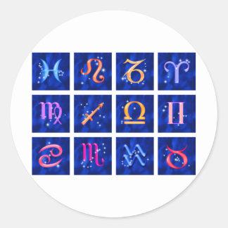 12 muestras del zodiaco y las constelaciones pegatina redonda