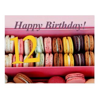 12mo Tarjeta de Macaron del cumpleaños Postal