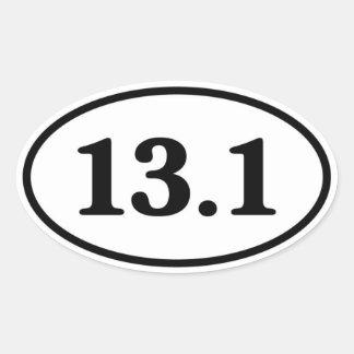 13,1 medio óvalo del corredor de maratón pegatina ovalada