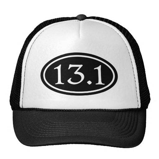 13,1 medio óvalo del negro del maratón gorros bordados