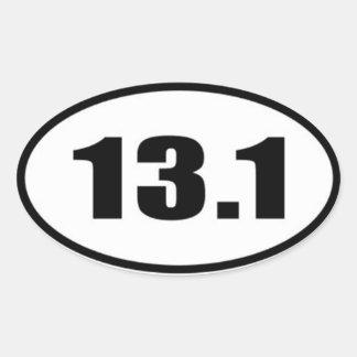 13,1 Texto negro del pegatina en el fondo blanco