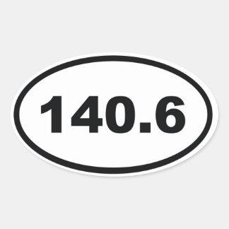 140,6 millas de Triathlon Calcomanía Ovalada