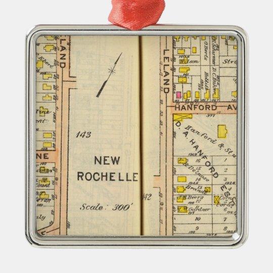 142143 New Rochelle Metal Ornament
