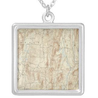 15 Clove sheet Square Pendant Necklace