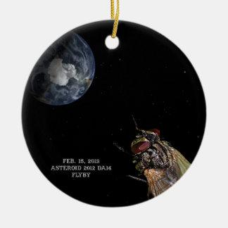 15 de febrero de 2013 Flyby DA14 del asteroide 201 Adorno