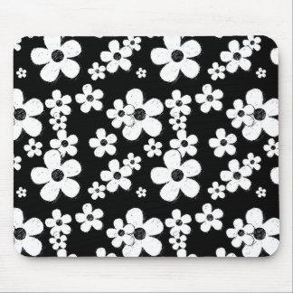 15B&W BLACK WHITE GRUNGE PINK FLOWER PATTERN FU MOUSE PAD